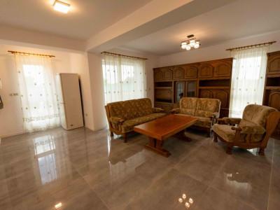 De închiriat- Apartament cu 2 camere intrare în Giroc