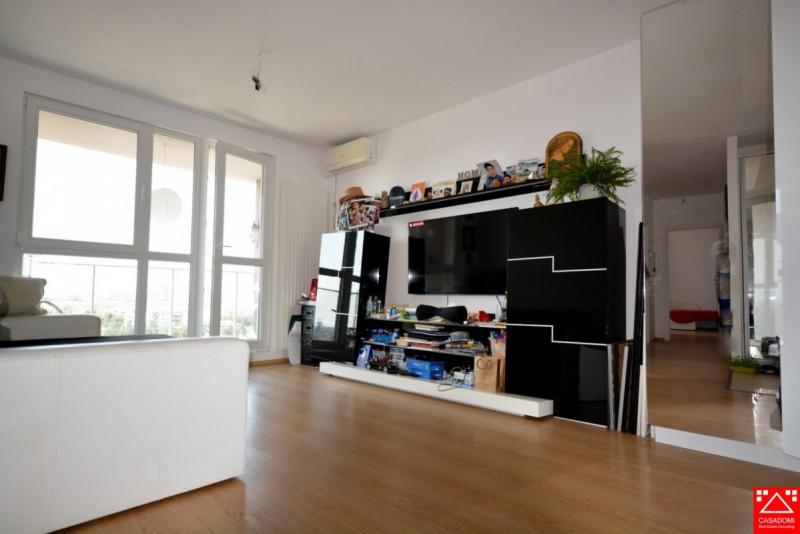 Apartament 3 camere de vanzare