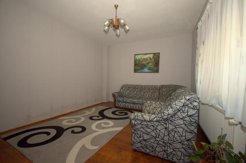 Apartament 2 camere la curte comuna