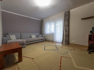 De inchirat apartament 3 camere ,mobilat
