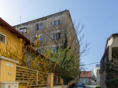 Garsoniera de vanzare zona T.Ionescu