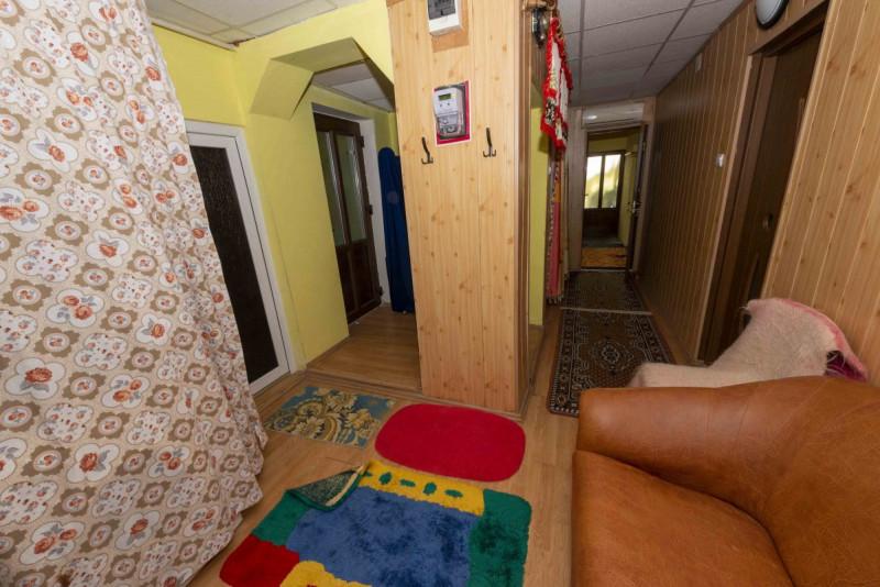 De vanzare casa 3 camere zona Crisan