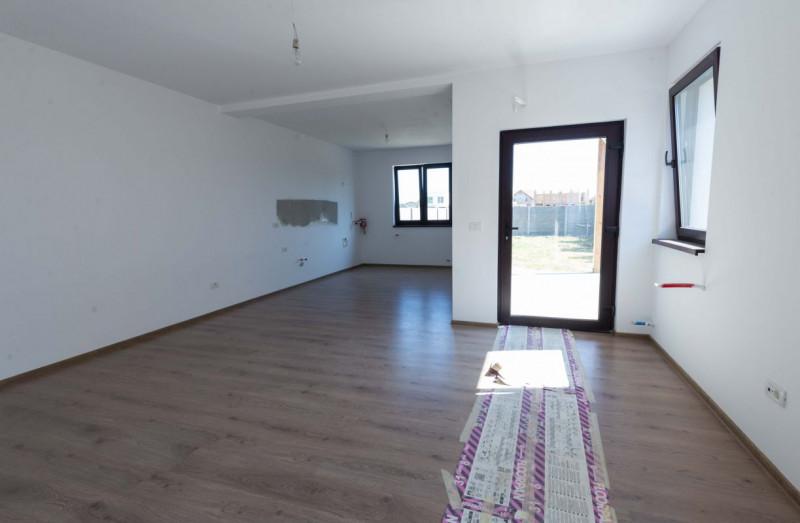 Casa de vanzare  in duplex Mosnita Noua